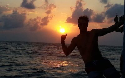 A DiveMaster's Diary – Cold Beer, Volleyball and Sunsets at a Pool Bar